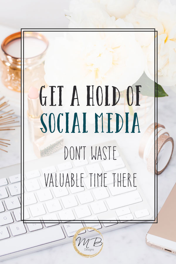 How to manage social media so that it will help grow your blog, get a hold of social media so it doesn't become a time suck